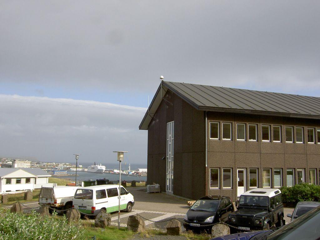 GNSS station on Umhvørvisstovan building.