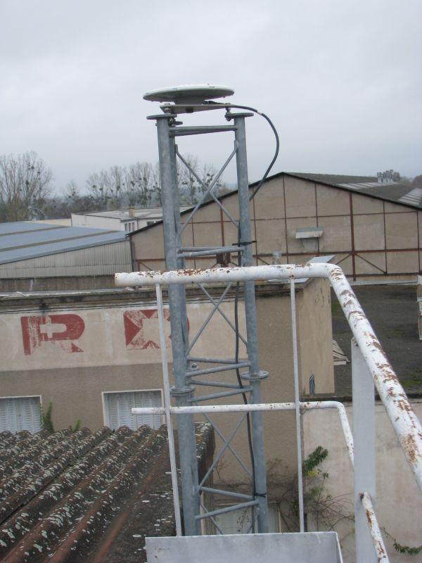 metallic pilar and antenna view.