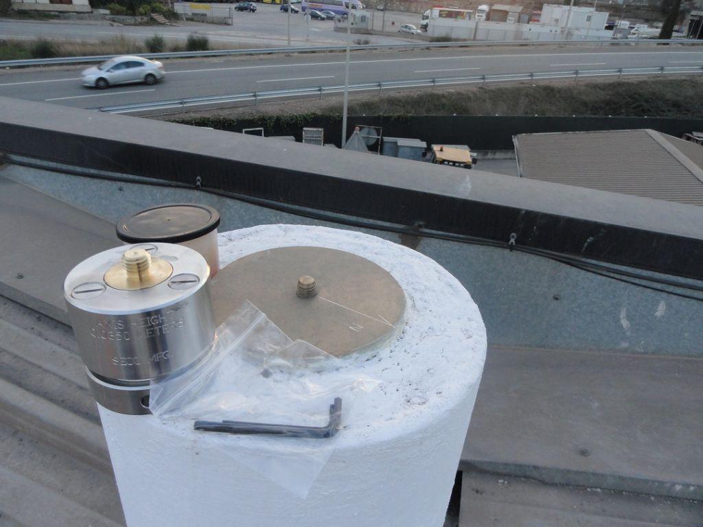 Brass plate and antenna orientering piece