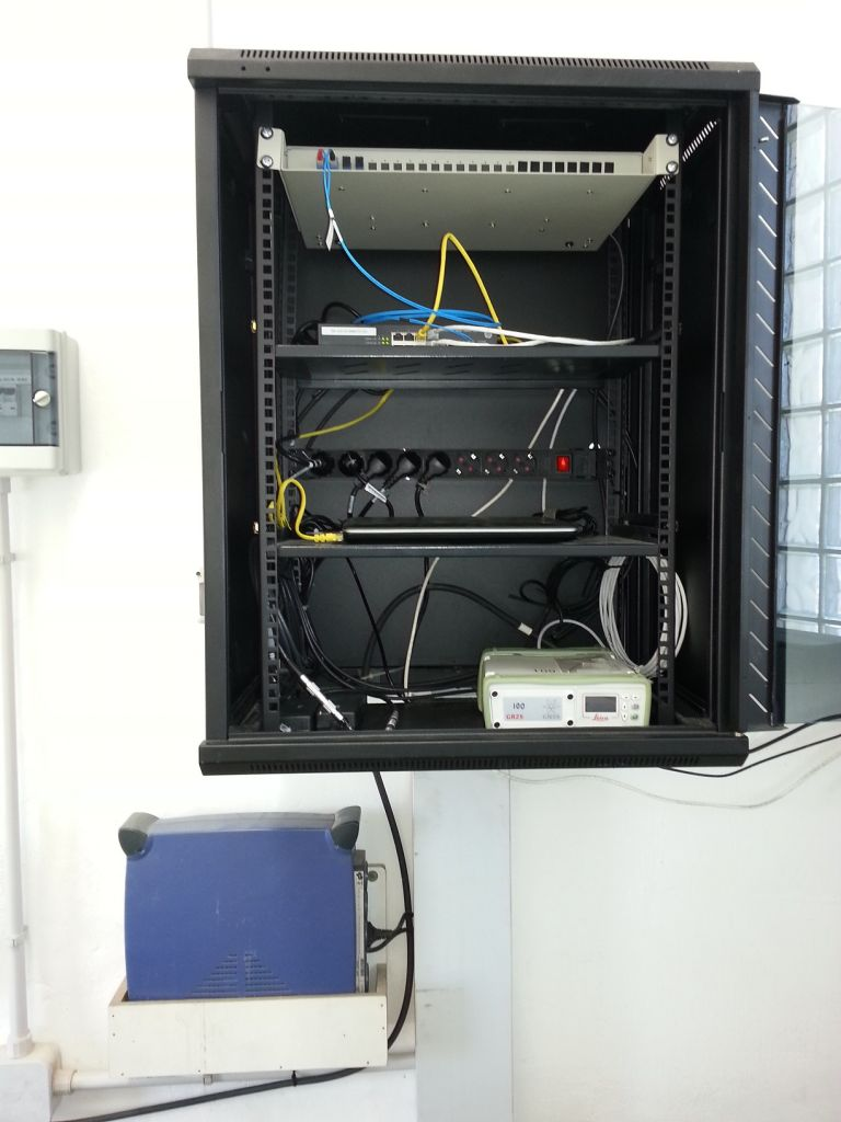 Rack with receiver and communications