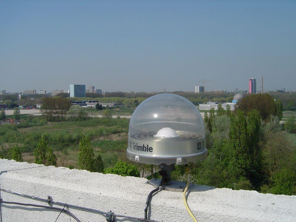 TRM29659.00 UNAV antenna on marker 13502M004 (removed 2016-07-13)
