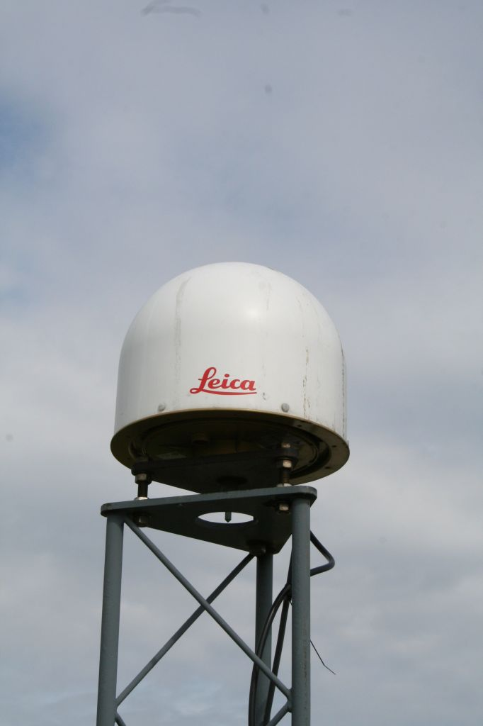 LEIAR25.R3 LEIT antenna on the 13502M009 marker used by DLF1 and other receivers.