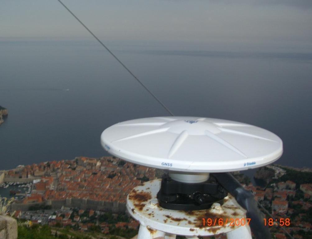 GNSS antenna - Trimble Zephyr Geodetic model 2.