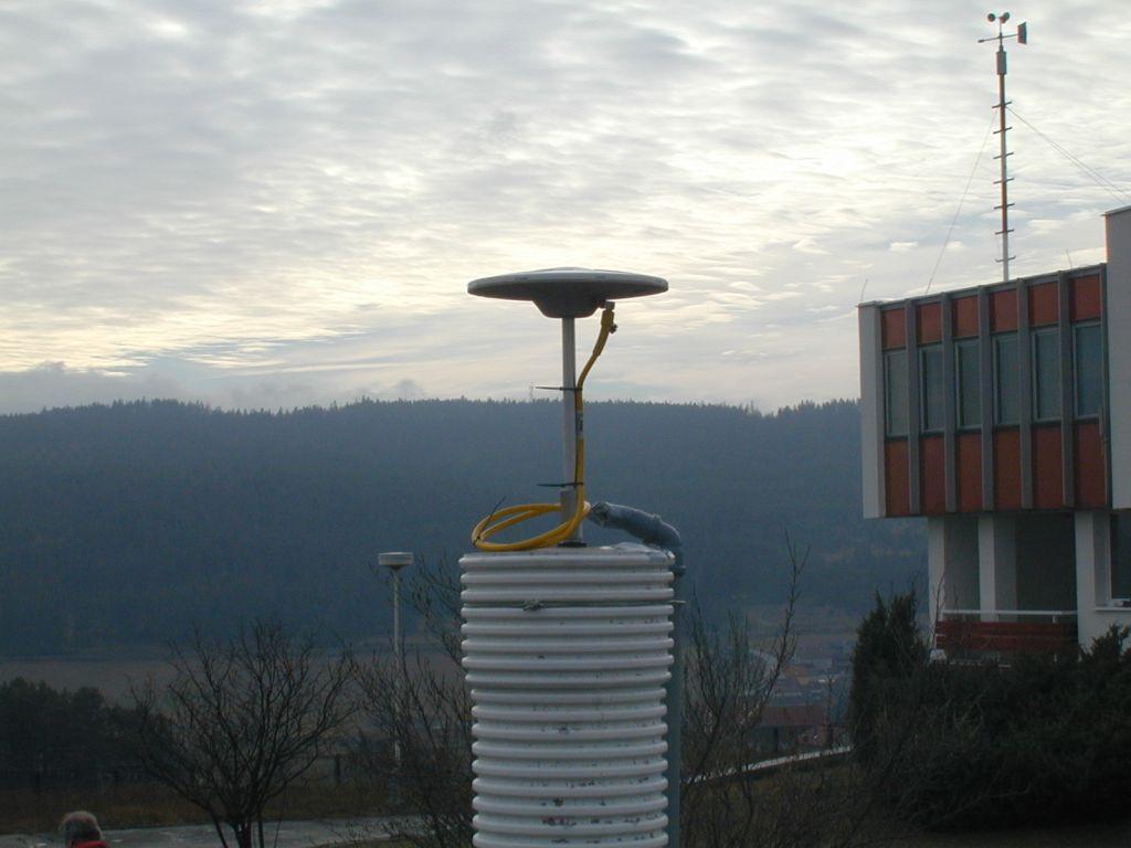 detail of antenna mounting.
