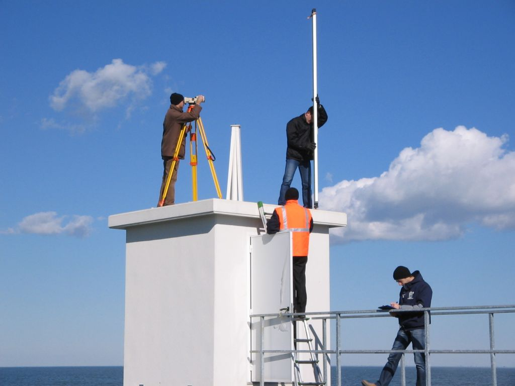 Surveying to connect GNSS marker with tide gauge benchmarks and with Italian National Levelling Network.
