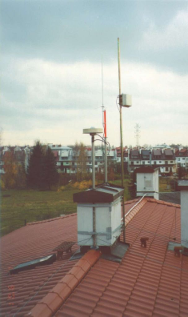 antenna location (steel mast).