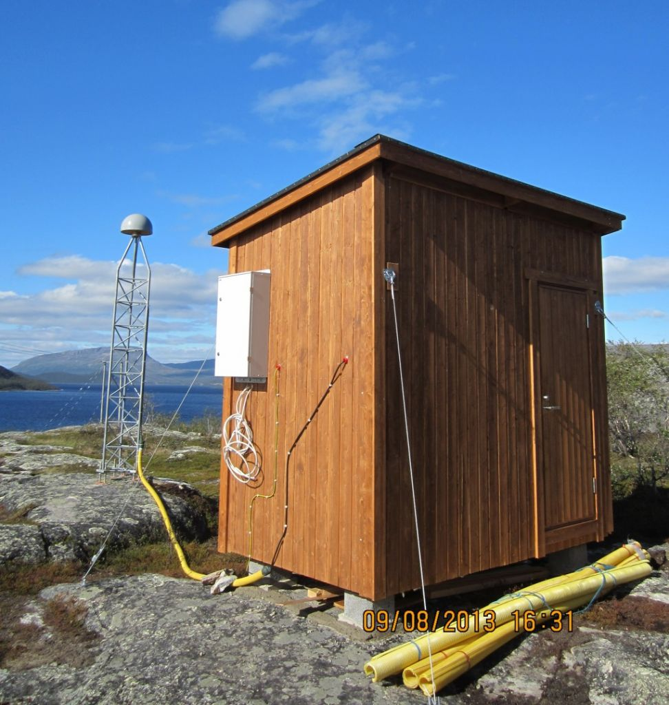 The hut for the equipment at KILP.
