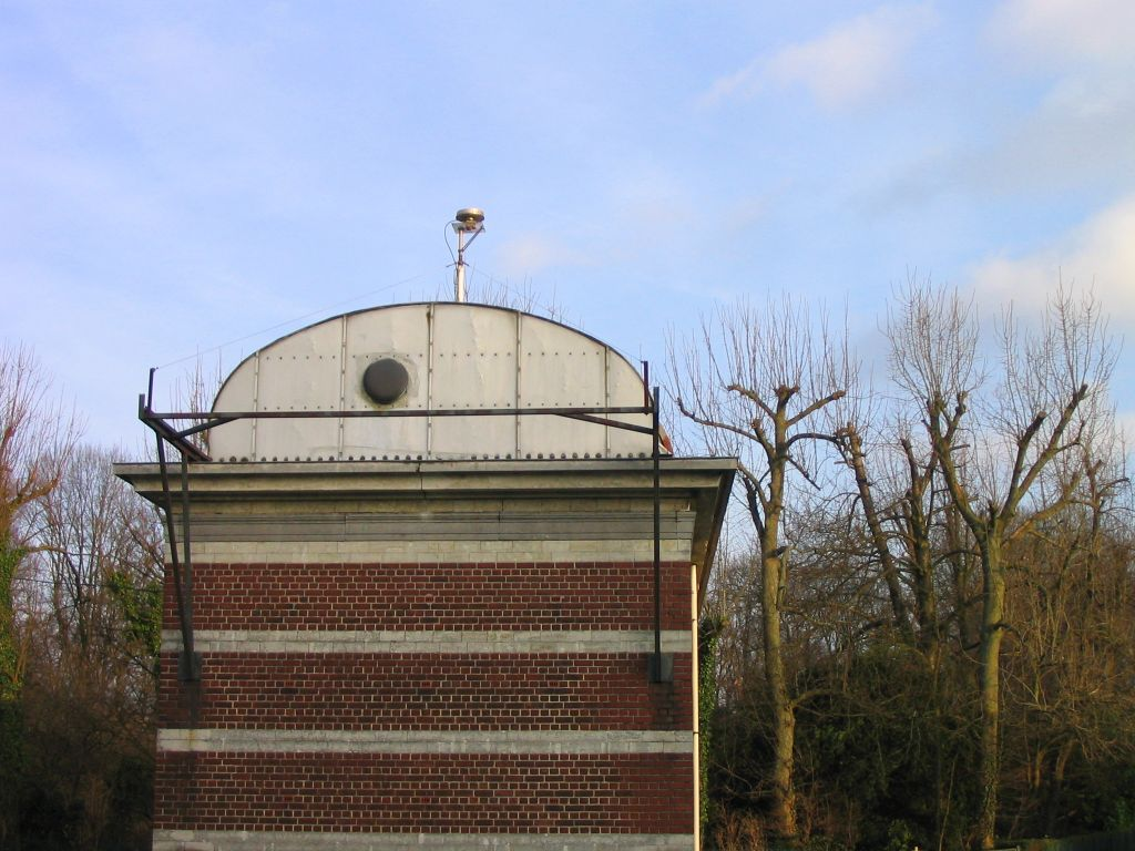 east view of the antenna building