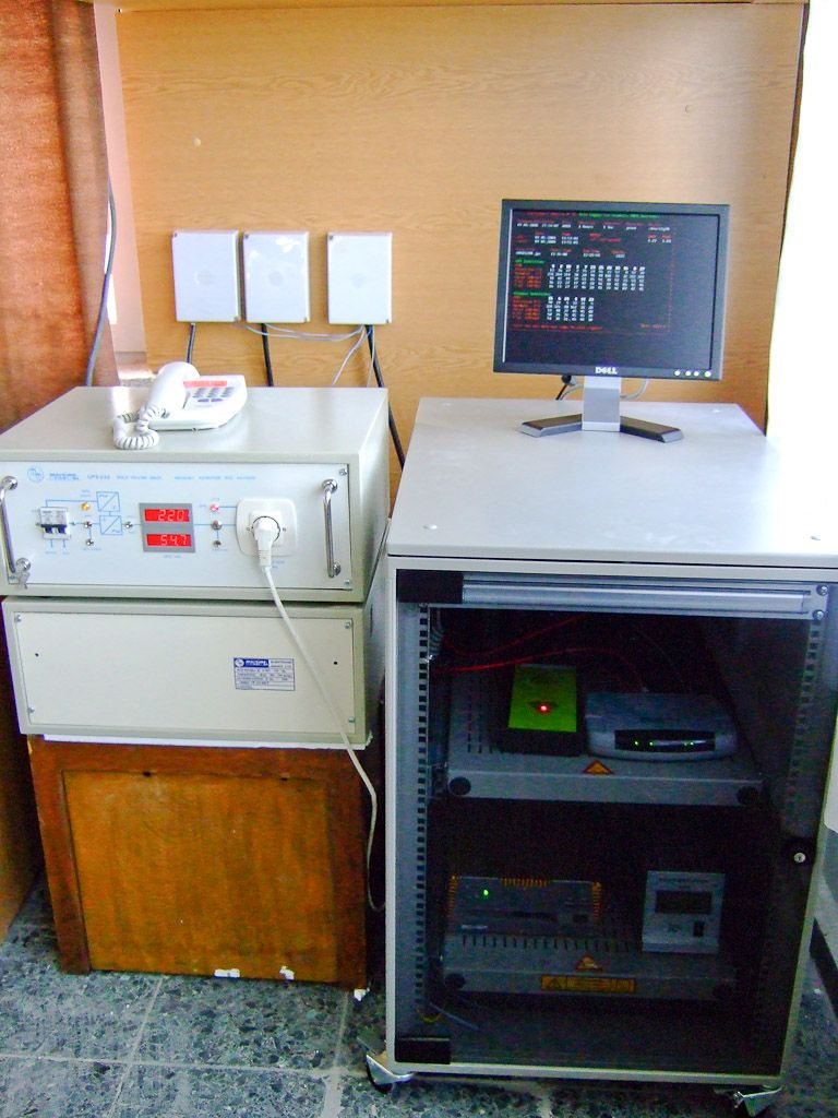 new cabinet, Javad receiver, PC, meteo station, DSL modem, USV a.s.o.