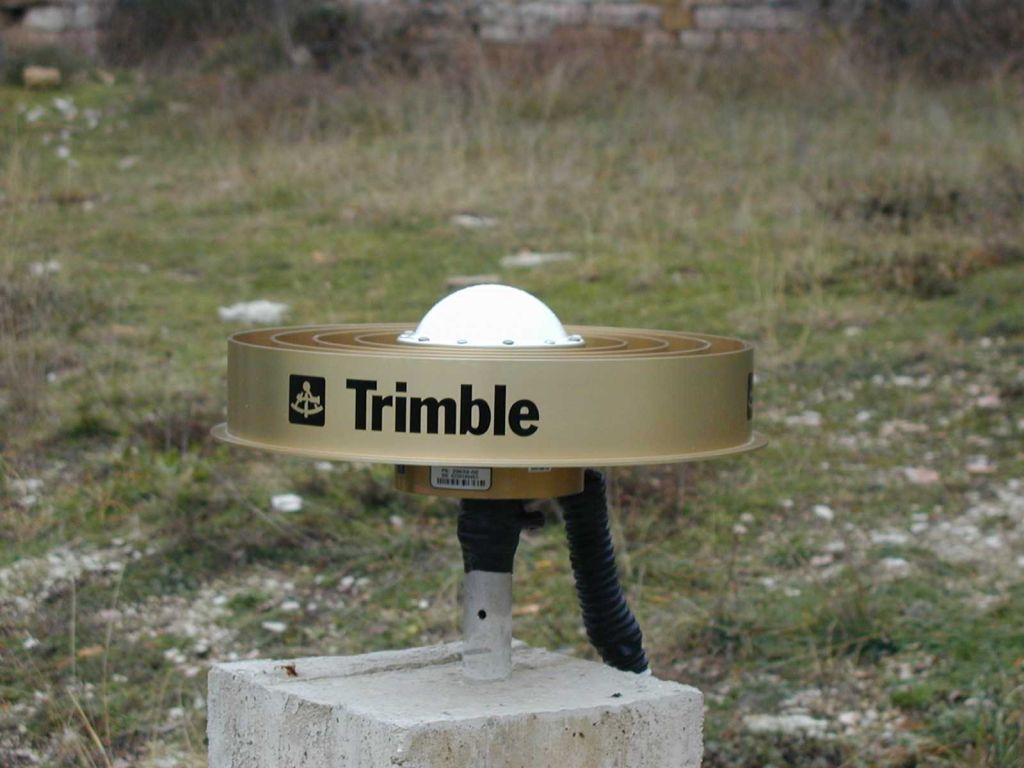 GPS Trimble antenna.