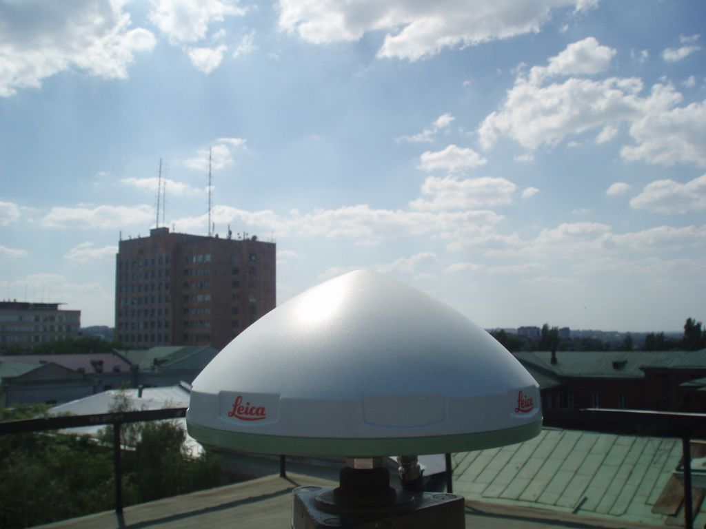 Antenna, view to the west.