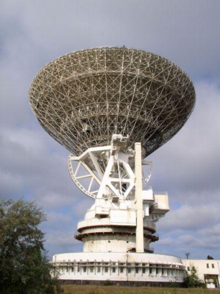 70-meters radiotelescope.