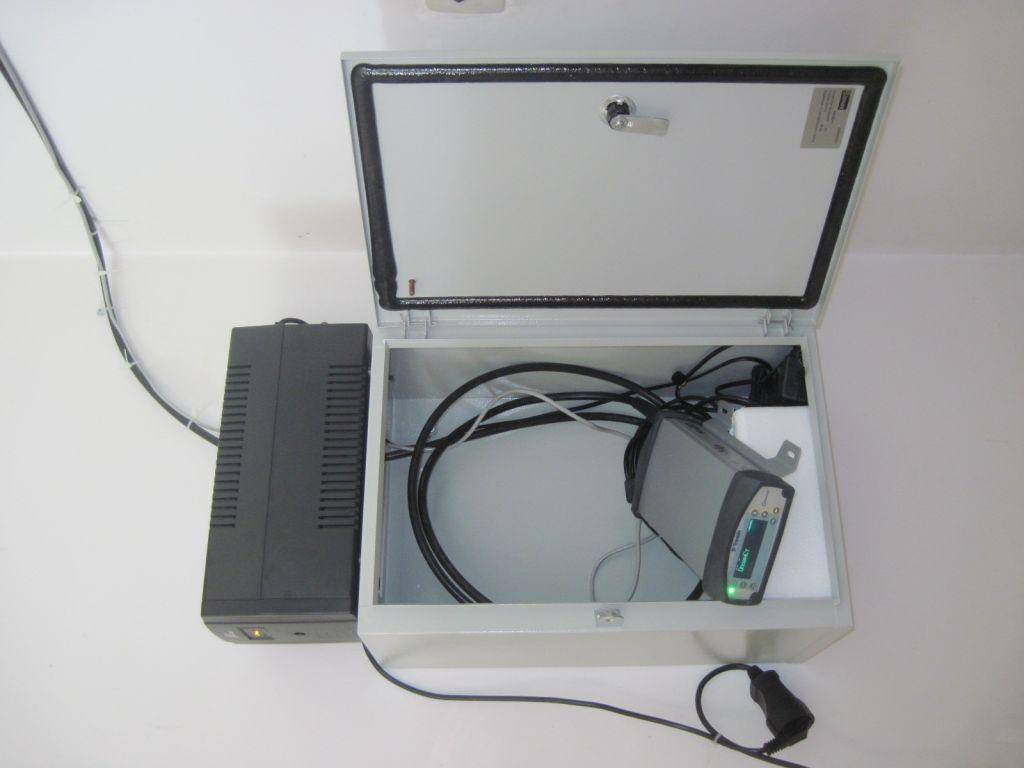 The TRIMBLE NETR9 receiver.