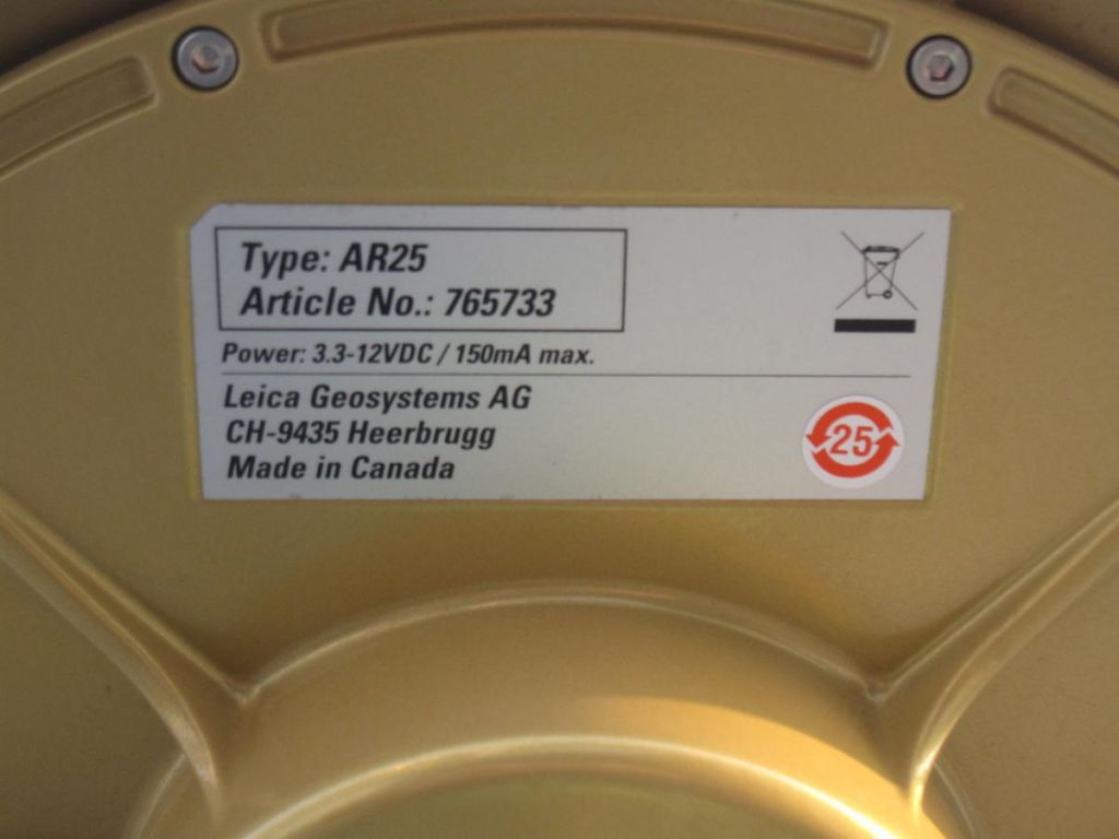 the GNSS antenna info : Leica typeAR25.
