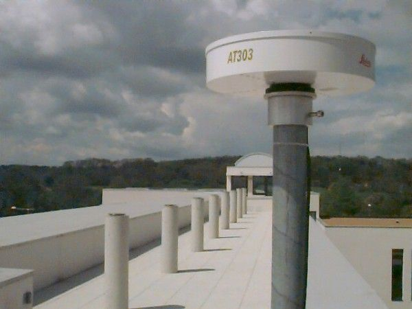 LEIAT303 antenna at the terrace of the Ecole Superieure des Geometres Topographes (ESGT) at Le Mans.