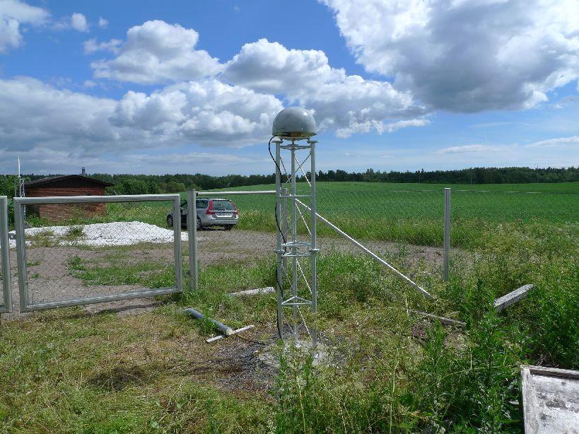 Antenna and mast view
