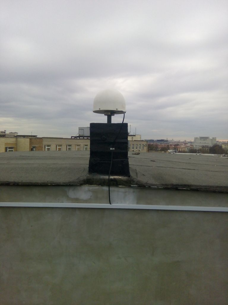 Overview of the antenna LEIAT504GG LEIS from the north