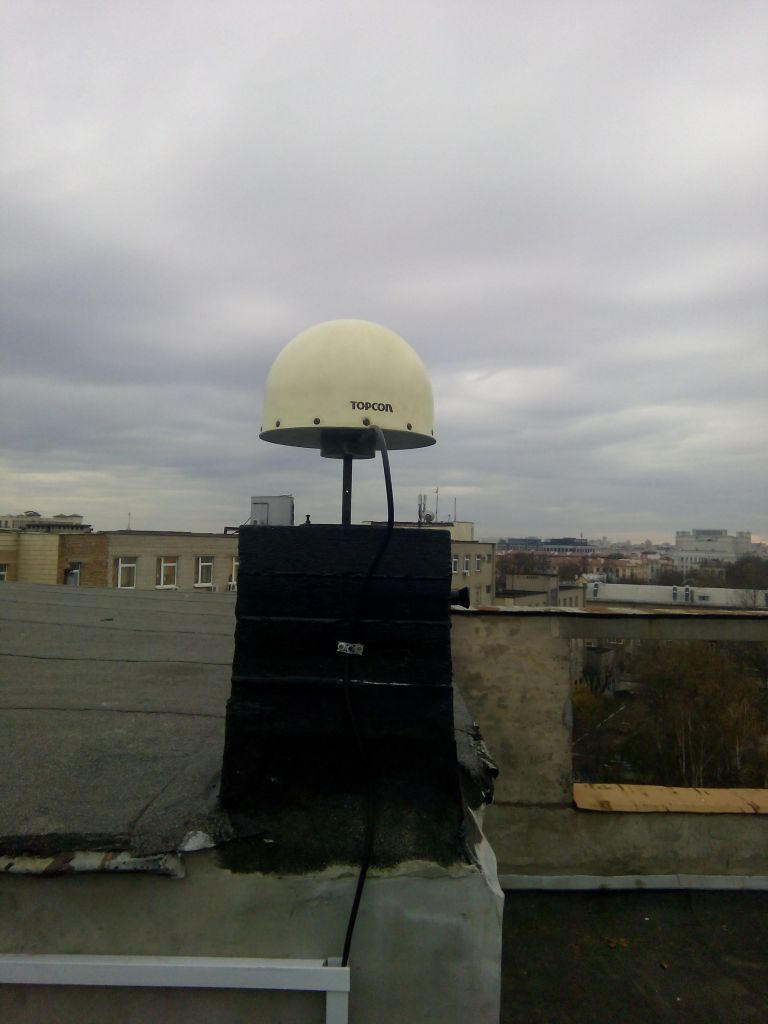 TPSCR.G3 antenna with radome, view from north