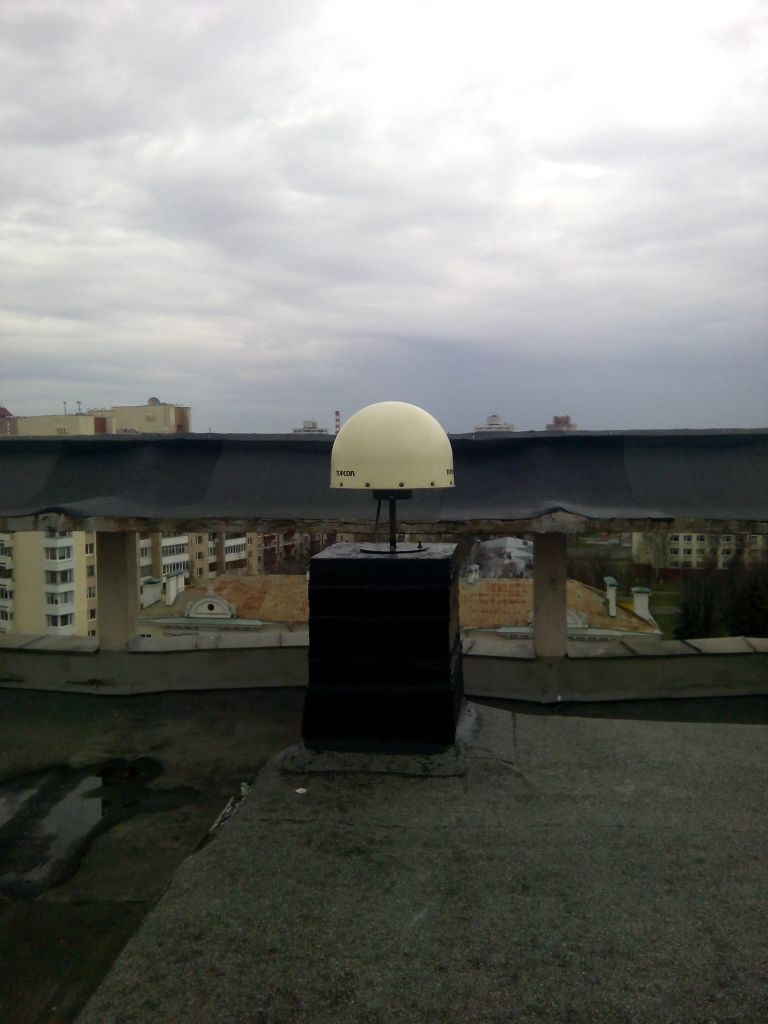 TPSCR.G3 antenna with radome, view from south