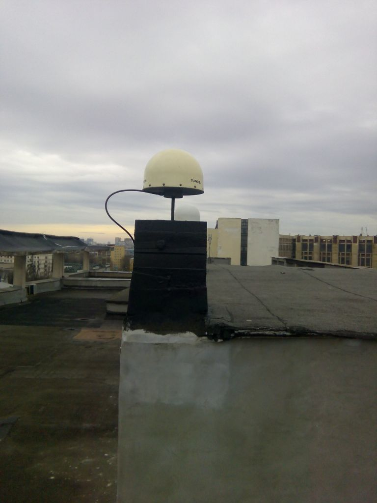 TPSCR.G3 antenna with radome, view from west