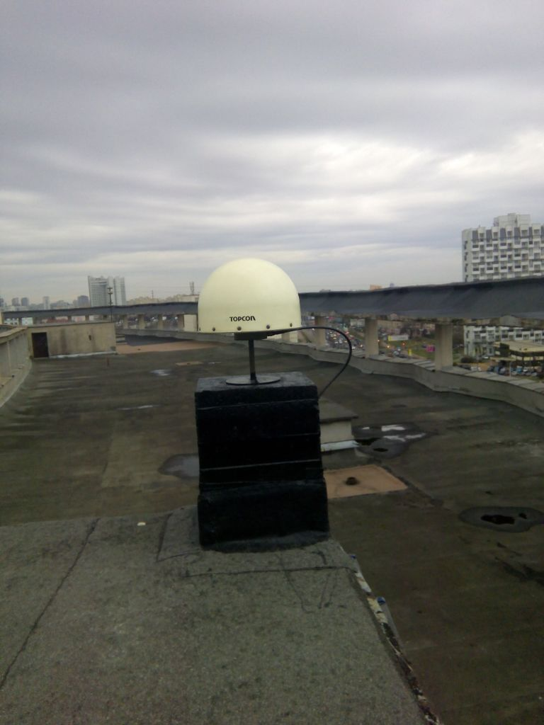 TPSCR.G3 antenna with radome, view from east
