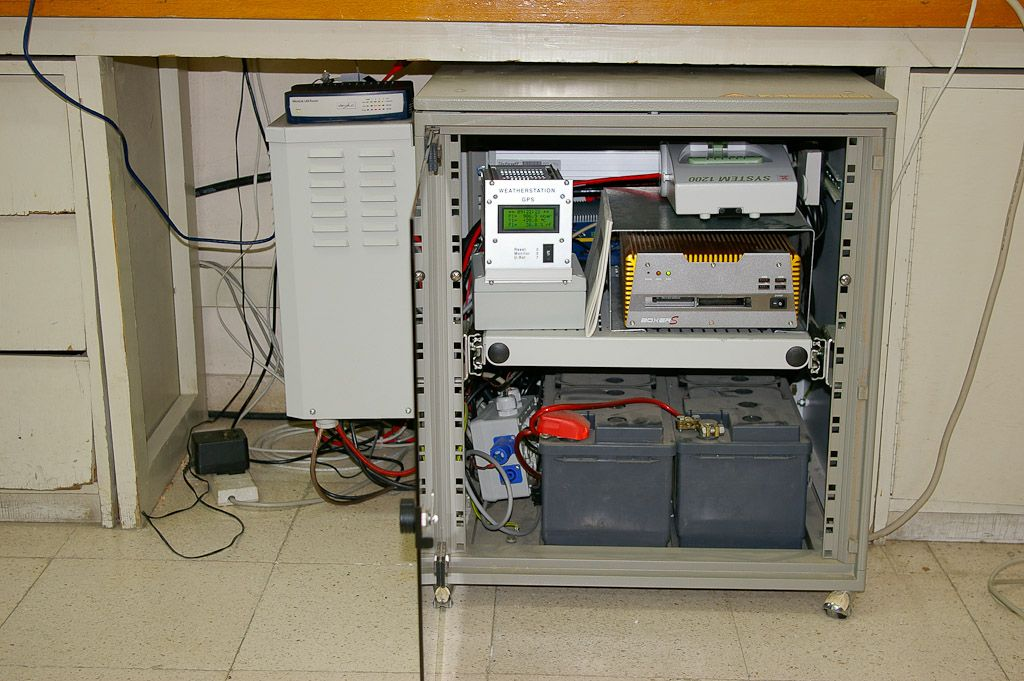 cabinet with Leica GRX1200 receiver, meteorological system, barometric sensor, power supplies, router, webswitch, battery backup a.s.o.