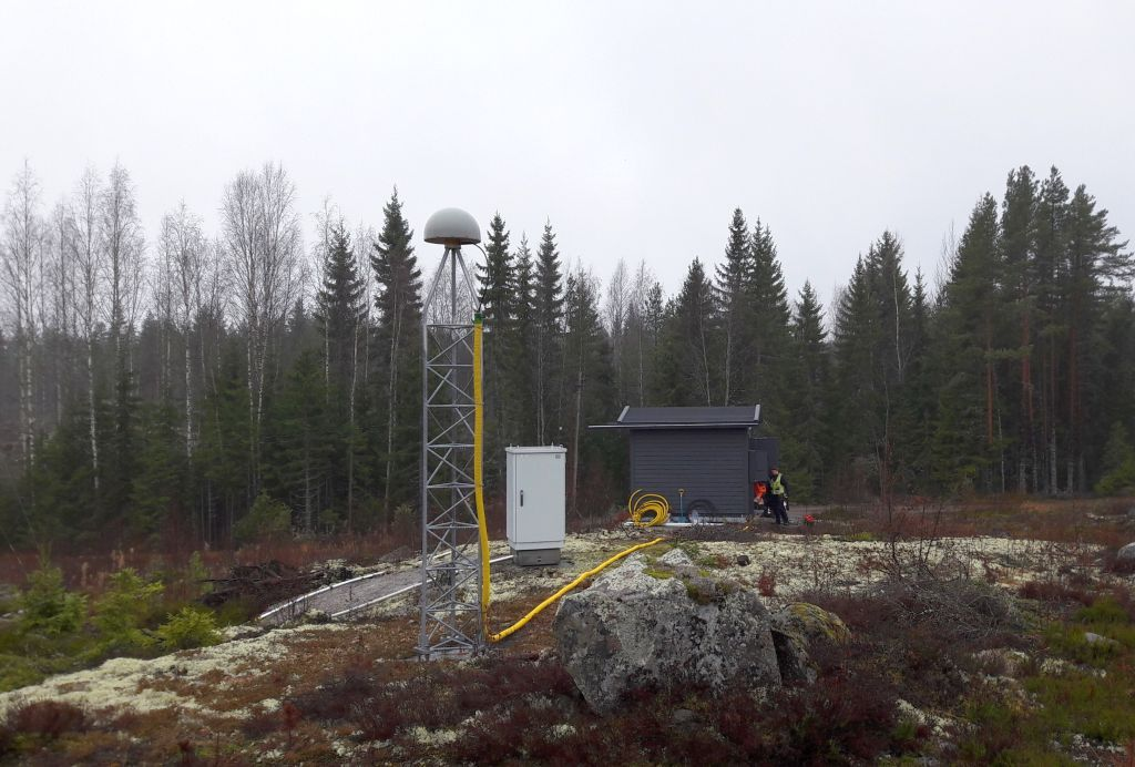 New equipment hut installed in Nov 2018.