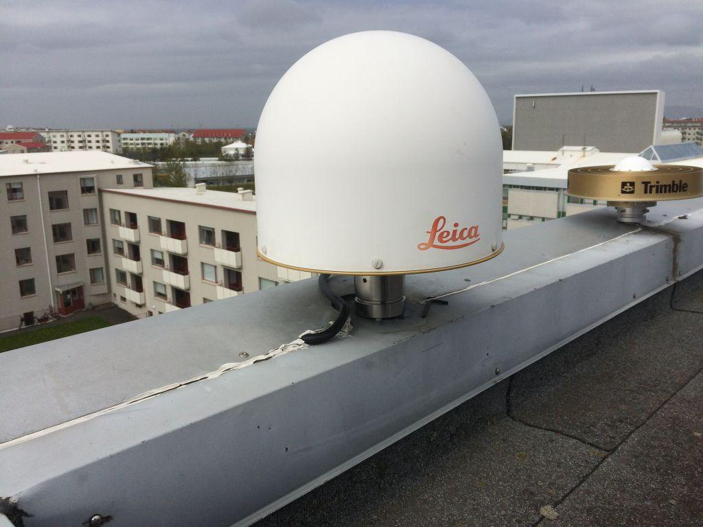 Antenna mount direction north