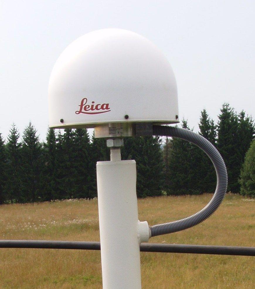 Leica LEIAT504GG PRO antenna with radome LEIS.