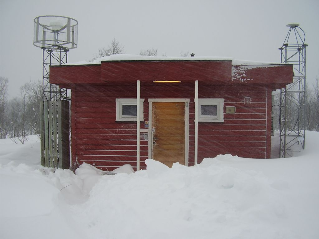 NMA Geodetic observatorium in Tromsoe. TRO1 antenna to the right, Trimble Zephyr Geodetic Model 2.