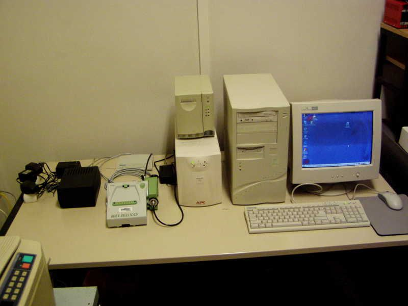 Leica GRX1200 Pro receiver with AD converter and on-site computer.