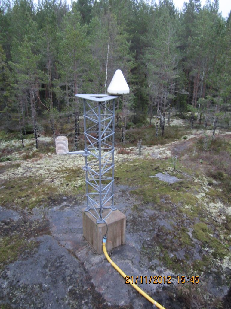 VAAS monument and antenna.