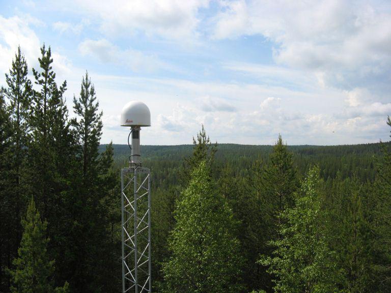 Antenna monument.