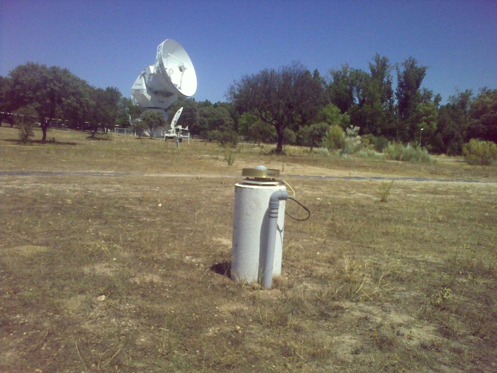 view of the VILL antenna and in the background one of the 15 m ESTRACK antennas colocated at the station.