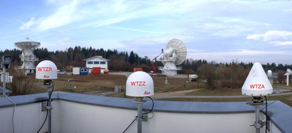 Antenna mount WTZA, WTZZ and WTZR direction west